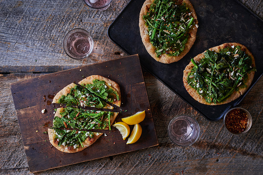 roasted-broccoli-rabe-pesto-flatbread-andyboy