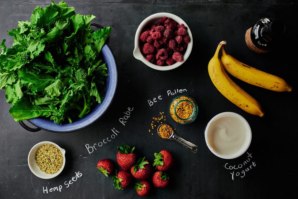 Broccoli Rabe and Berry Smoothie Ingredients