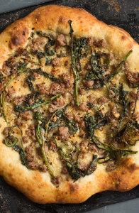 broccoli-rabe-pizza-andyboy