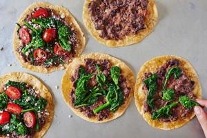 preparing-tortillas-pizzas-broccoli-rabe