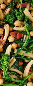 chickpeas-pasta-bacon-broccoli-anyboy