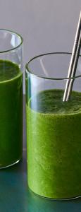 broccoli-rabe-tropical-power-smoothie-andyboy
