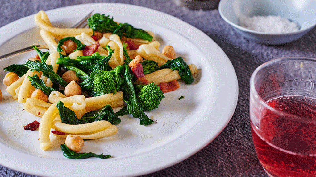 Short Pasta with Broccoli Rabe, Chickpeas and Bacon