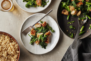 panko-crusted-chicken-with-broccoli-rabe